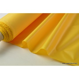 Tissu polyester jaune or déperlant pour parapluie .