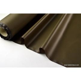 Tissu polyester kaki déperlant pour parapluie .