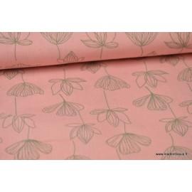 Tissu Viscose fluide imprimé fleurs de lotus gris sur rose .x1m