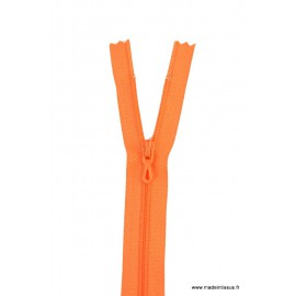 Fermeture éclair en nylon.  col 680 Capucine