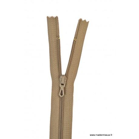 Fermeture éclair en nylon. H 10 cm. col 953 Tabac
