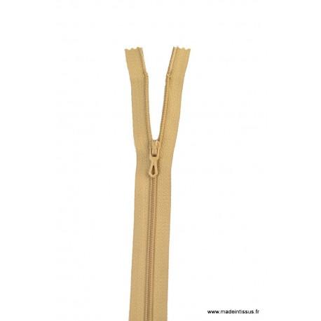 Fermeture éclair en nylon. H 10 cm. col 945 Beige Moyen