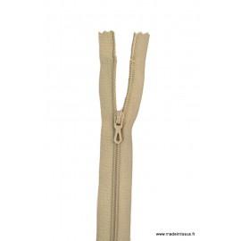 Fermeture éclair en nylon. H 10 cm. col 925 Grège