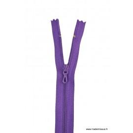 Fermeture éclair en nylon. H 10 cm. col 869 Violet Foncé