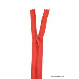 Fermeture éclair en nylon. col 850 Rouge sang