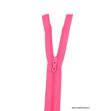 Fermeture éclair en nylon. H 10 cm. col 822 Rose vif