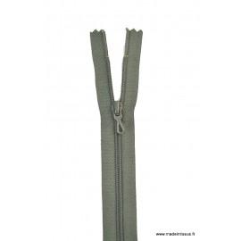 Fermeture éclair en nylon. col 768 Vert treilli