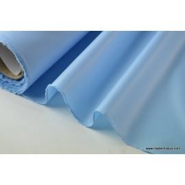 Tissu polyester bleu ciel déperlant pour parapluie .