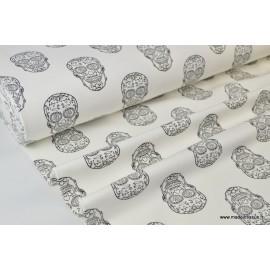 Tissu sweat leger frenchterry imprimé Têtes de mort Mexicaines noir et blanc .x1m