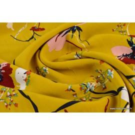 Viscose fluide imprimé fleurs sur fond Moutarde