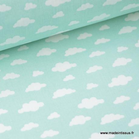 Tissu coton oeko tex imprimé nuages blancs sur fond Menthe x50cm