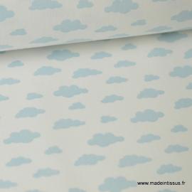 Tissu 100%coton dessin nuages bleu glacier sur fond blanc