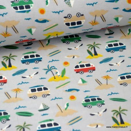 Tissu jersey Oeko tex imprimé petits Combis vans et palmiers fond gris