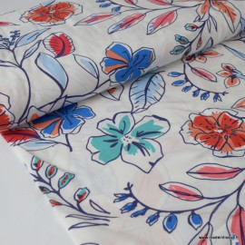 Tissu Viscose fluide imprimé fleurs corail et bleu fond blanc