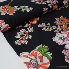 Tissu Viscose fluide imprimé fleurs roses et oranges fond noir
