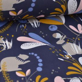 Tissu coton imprimé Lapins, marmottes et feuillage bleu nuit, moutarde, bleu, blanc et rose Oeko tex