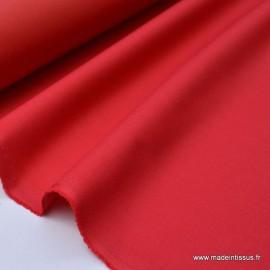 Tissu Gabardine enduite étanche rouge.