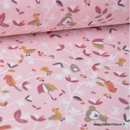 Tissu coton imprimé oiseaux, écureuils, singes et parapluies fond rose label Oeko tex