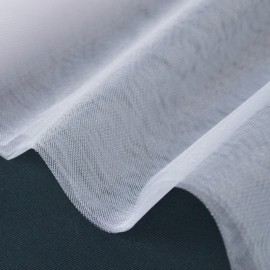 Tissu Tulle irisé brillant blanc .