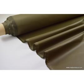 Tissu leger imperméable étanche polyester enduit acrylique kaki .