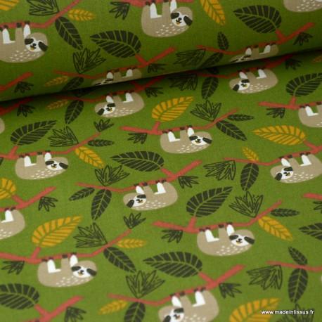 Tissu coton imprimé paresseux dans la Jungle fond Vert