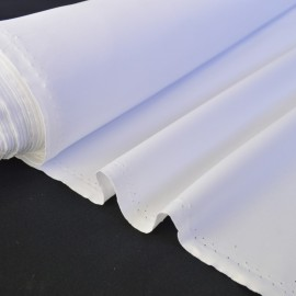 Tissu sergine blanc pour robe de mariée