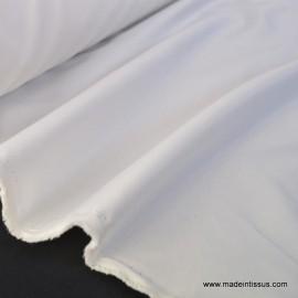 Tissu sergine ivoire pour robe de mariée.