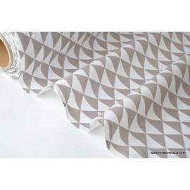 Tissu coton imprimé dessin losanges TAUPE .x1m