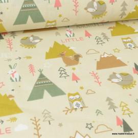 Tissu coton imprimé Litle Adventure vert et écru. Oeko tex