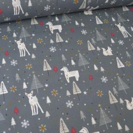 Tissu coton imprimé biches, étoiles et sapins fond gris - Nojka - Oeko tex