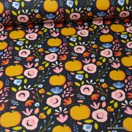 Tissu coton Enduit motifs Pommes et fleurs fond Marine -  Oeko tex