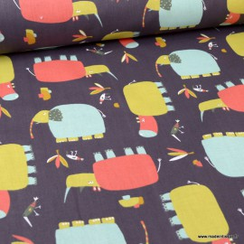 Tissu oeko tex coton Numi motifs hippo et oiseaux fond sienne brulé