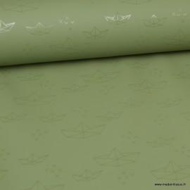 Tissu ciré de pluie imprimé bateaux fond Kaki