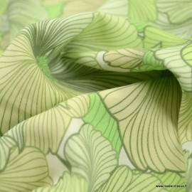 Tissu Viscose motifs grosses fleurs tons de vert