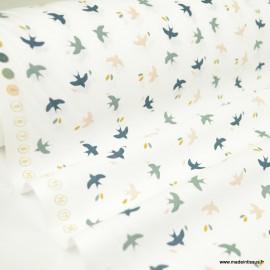 Tissu coton Mesao motifs oiseaux vert de gris et Skin fond blanc - Oeko tex