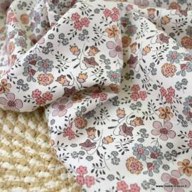 Sergé de coton Bio Gots & oeko tex motifs fleurs d'automne fond écru