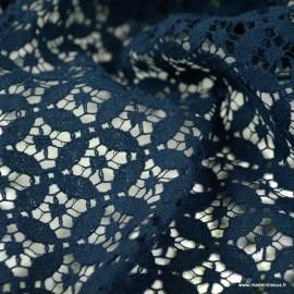 Tissu Dentelle fleurs marine