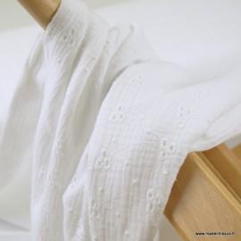 Tissu Double gaze brodée Denise coloris Blanc - oeko tex