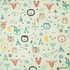 Tissu coton Powhatan thème Indiens motifs tipis et animaux fond Jade - oeko tex