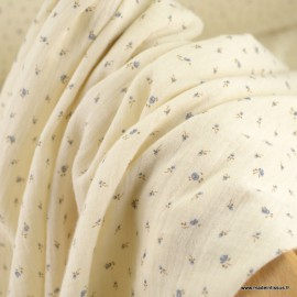 Double gaze de coton Bio Gots & oeko tex Gisèle motifs fleurs bleues fond Ecru