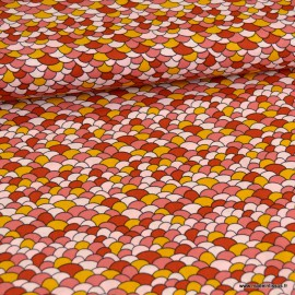 Tissu Popeline motif écaille brique et saumon - oeko tex