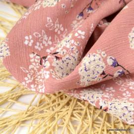 Crêpe viscose fluide motifs fleurs et rayures Lurex fond vieux rose