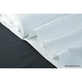 tissu feutrine blanc polyester .