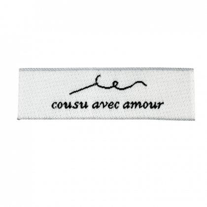 """Etiquette tissée pré-pliée à coudre message """"Cousu avec amour"""" 14x48mm"""