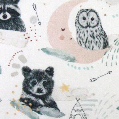 Tissu coton Arihoe motifs chouettes, ratons et ours fond blanc - Oeko tex