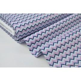Popeline coton imprimée chevrons bleu marine et rose x50cm