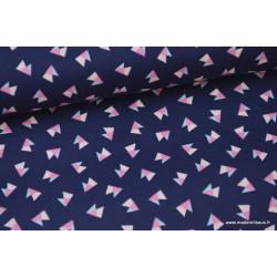 Tissu Popeline coton imprimé TRIANGLES rose et ciel fond bleu marine .x1m