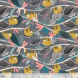 Coton imprimé paresseux moutarde pendus aux branches by Blend Fabrics .x1m
