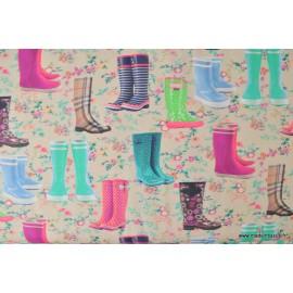 Tissu Cretonne coton imprimé de bottes en caoutchouc et fleurs x50cm