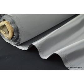 Tissu Satin duchesse polyester gris souris .
